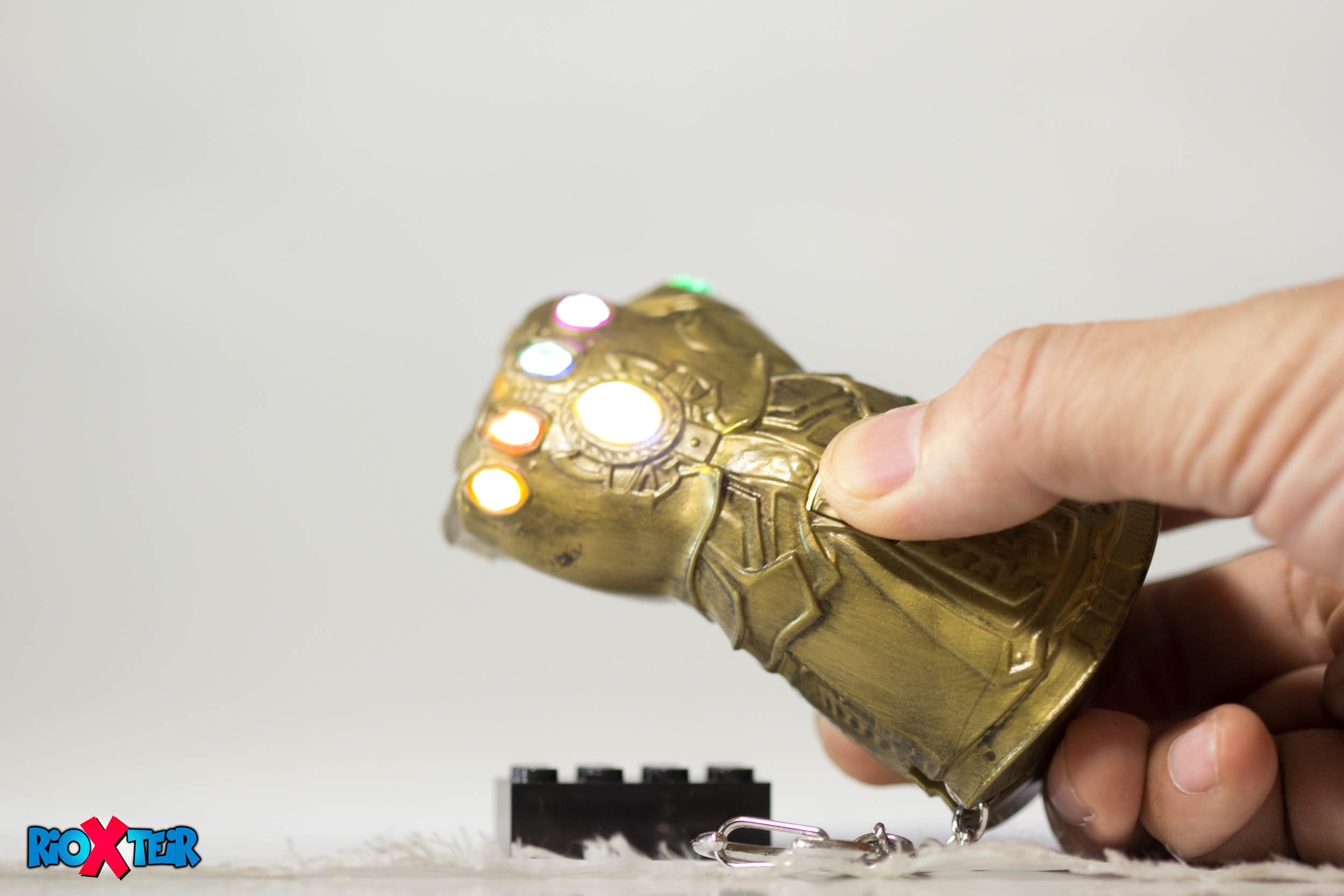 Avengers Infinity War Thanos Gauntlet Review