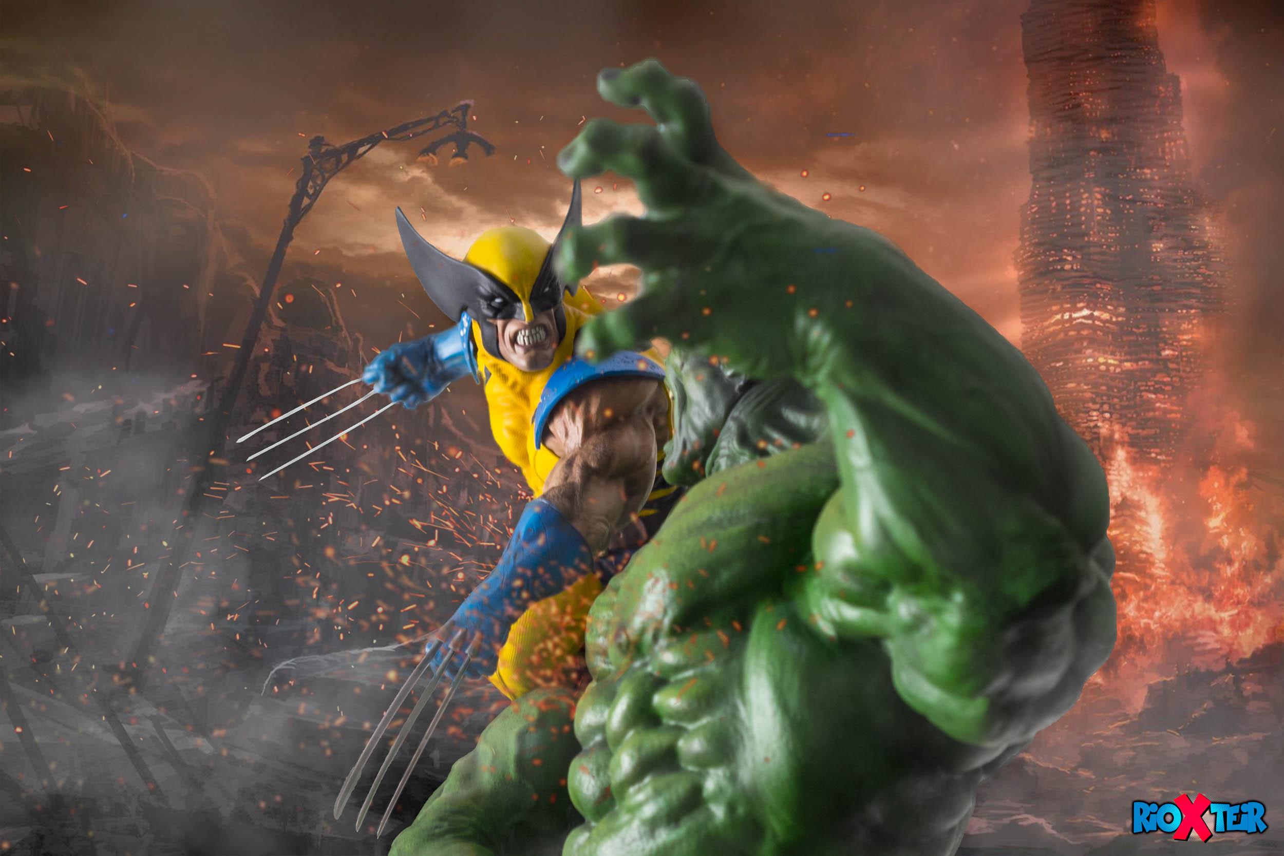 Wolverine versus Hulk Statue