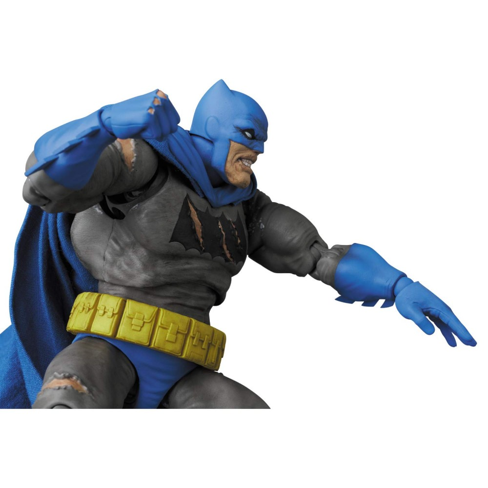 Mafex Series No.119 Batman (TDKR: The Dark Knight Triumphant)