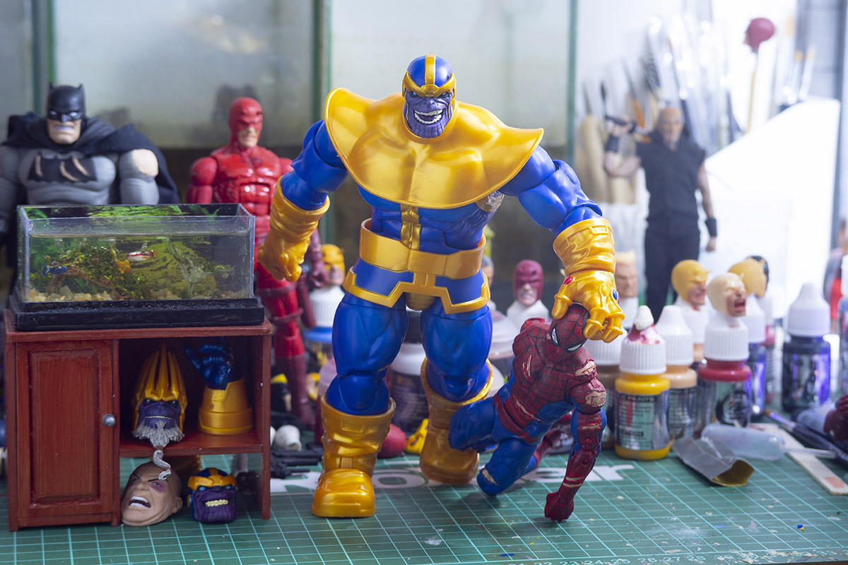 Marvel Legends Deluxe Thanos Simple Modification